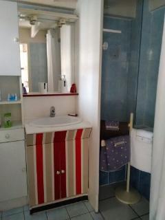 salle de bain et machine à laver