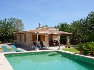 Villa with private pool near the golf course