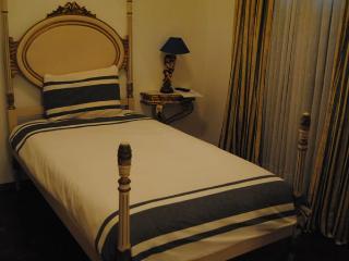 GUEST HOUSE ESPLANADA INDIVIDUAL C/W.C.Partilhado, Castelo Branco