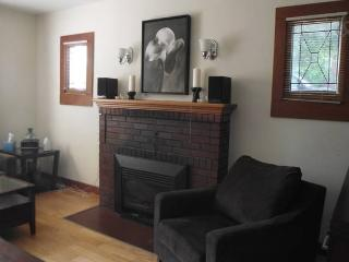 Cozy, Clean, Close to Town, Kalamalka Room, Vernon