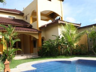 Ada Waktu, south of Jogja, Pool, Sawah View, B&B, Pleret