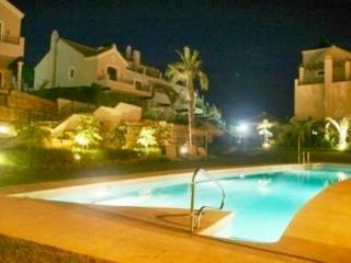 LUXURY VILLA/3 DOUBLE BEDROOMS/SLEEPS 6, Estepona