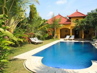 Ada Waktu, Jogjakarta, Cosy bungalow, pool!