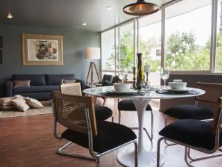 Stylish 2 Bedroom Apartment in La Roma, Cidade do México