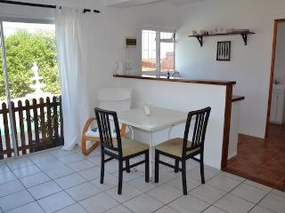 Pool apartment perfect for the small family, Simon's Town