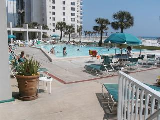 Holiday Beach Resort - Beachfront Studio, Destin