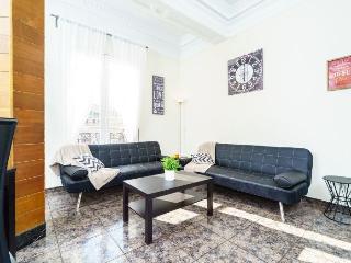 Plaza de Espana apartment in El Carmen {#has_luxu…