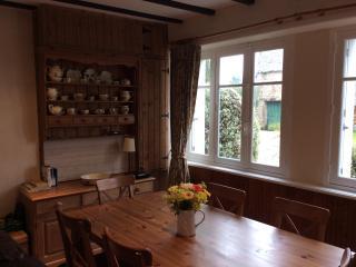 Clara Dining area