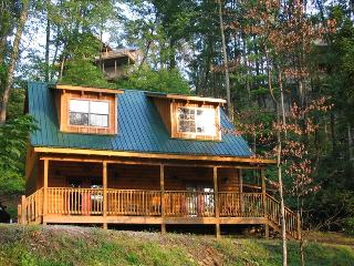 3 BR/3 BA Cabin in Wildly Popular Chalet Village, Gatlinburg