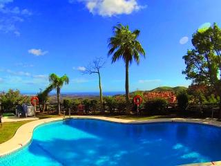 Garden apartment (6 pools,free golf,WI-FI and PS3), Elviria