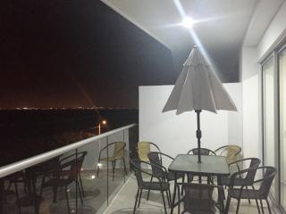 ENCANTADOR APARTAMENTO DE PLAYA JQ423, Cartagena