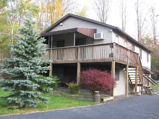 POCONO RENTAL - 1228, Lake Ariel
