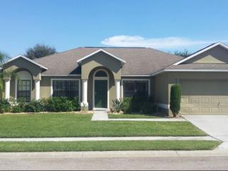 Spacious 4 bedroom pool home in Legacy Park, Orlan, Orlando