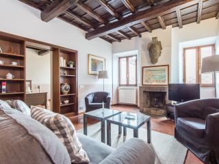 Giulia Stylish Enchanting Apartment