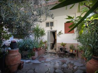 Apartment Magnolia - house near the beach, Furci Siculo