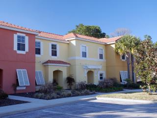 3 Bed Townhome with pool in 'Encantada' - Kissimme, Orlando