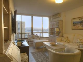 New flat next to the beach, 10 min walk to center, Málaga