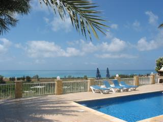 Bungalow, sea view, 2 bedroom en-suite, Coral Bay, private pool,disable friendly