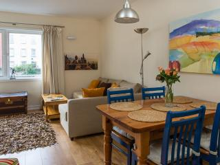 Stylish Royal Mile apartment, Edimburgo