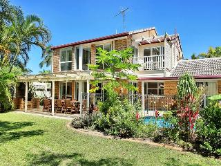 LARGE HOLIDAY HOME ON THE SUNSHINE COAST, Warana