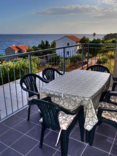 A1(4+2): terrace