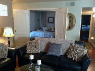 Fabulous 2  Bedroom 2 Bath Condo Close to Strip, Las Vegas