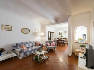 1 bedroom apartment in center of Florence