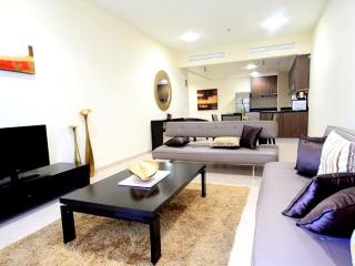 644-Beautiful Furnished 1/BR Apartment In Dubai Ma, Dubaï