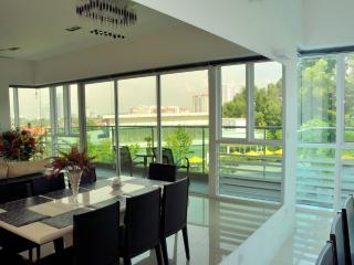 Pool View Villa, Petaling Jaya