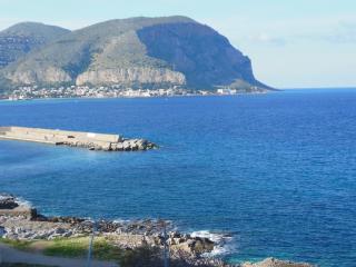Deliziosa e fresca casa a 150m dal mare a Mondello