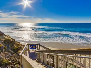 Ocean-Front Complex, Bright & Relaxing Condo, New Furnishings, Heated Lap Pool,