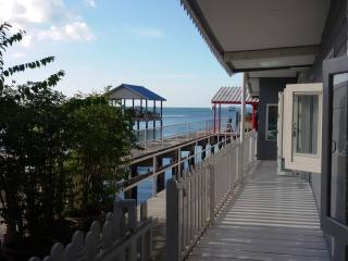 Paradise Boathouse Bang Sa-re, Sattahip