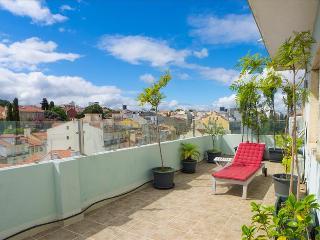 AR1-Penthouse,Large terrace,AC, lift, Lisbon