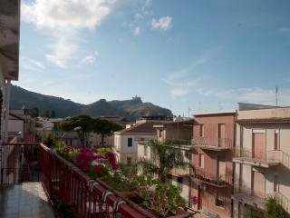 appartamento, p.1, ampio terrazzo, 3 min dal mare, Oliveri