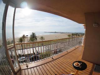 3 Bedroom Beachfront Apartment, Segur de Calafell