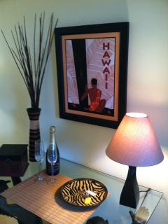 entry way with vintage Hawaiian art