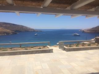 Serifos beachouse breathtaking view (Ganema beach)