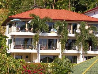Mountain Sea View Luxury Apartments, Kata Beach