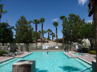 Red Bluffs Condo in Summerlin, Las Vegas