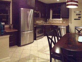 3 Bedroom Furnished Apartment, Barrie