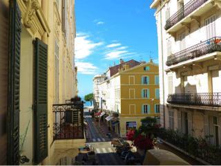 Viva Riviera 11 Commandant André - B, Cannes