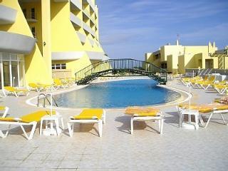 Algarve, Condo Do Mar, Meia Praia, Lagos, Portugal