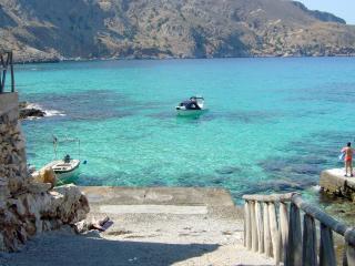 Maison avec piscine, magnifique vue mer, Kefalas