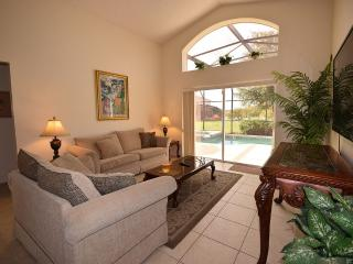 Emerald Island 4 Bd/3 Ba, 60' TV, 3 mile to Disney, Kissimmee