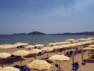Beach front! Family friendly apt sleeps 4, Formia