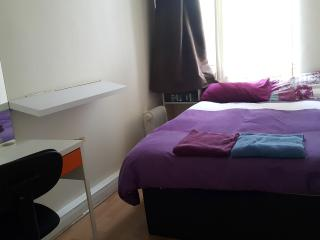 2 bedroom apartment in Chinatown, Newcastle upon Tyne