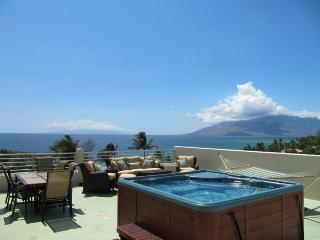 Spectacular Ocean Views! 1650 sq ft Private Lanai, Spa, BBQ! Steps 2 Beach!