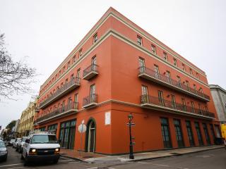 French Quarter 1BDR Condo W/Balcony, Nouvelle-Orléans
