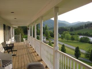 Luxury Home W/Amazing View, Asheville