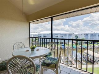 Santa Maria 405, 2 Bedroom, Heated Pool, Hot Tub, Fort Myers Beach